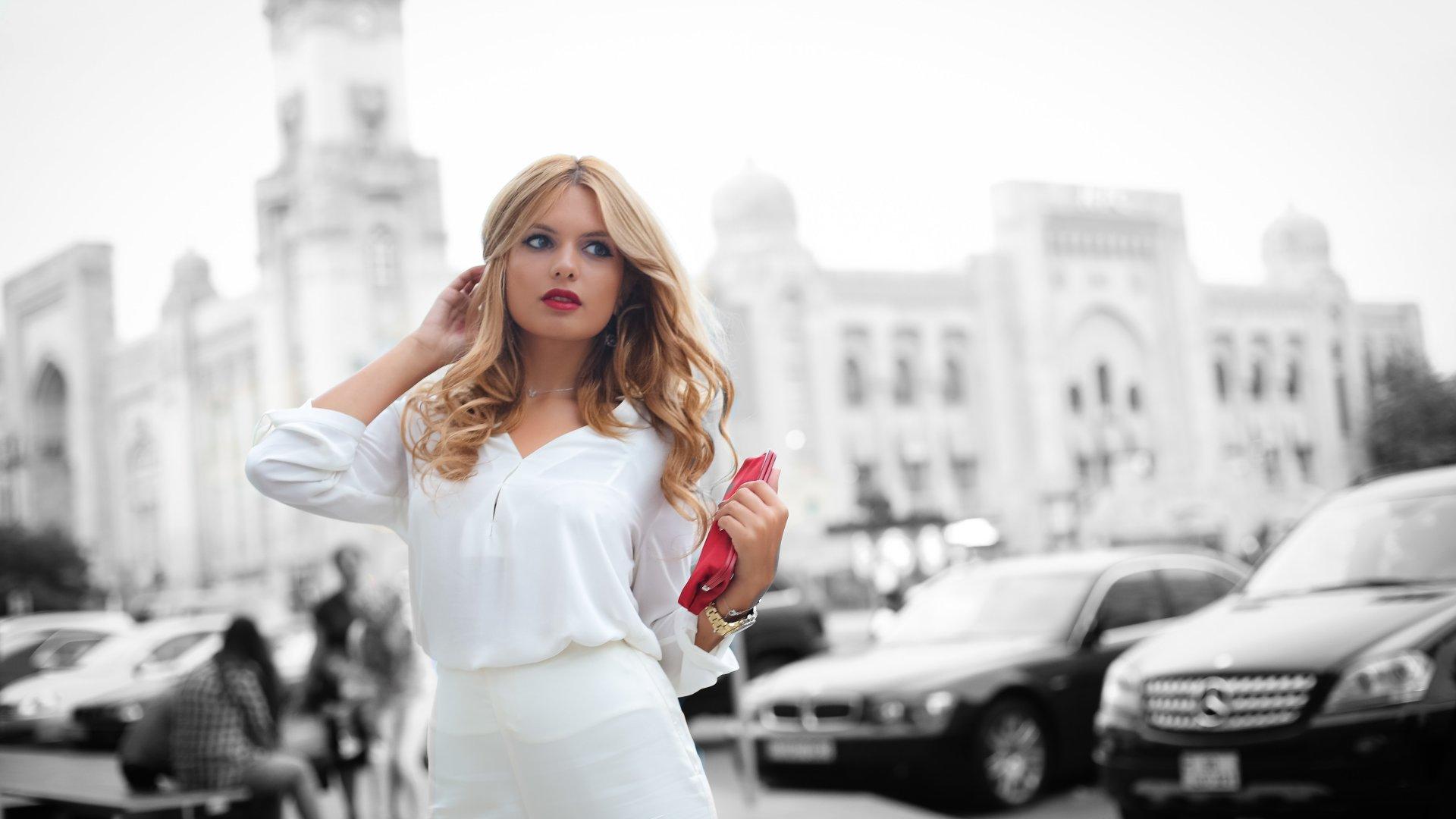 girl-beauty-face-hair-clothes-city